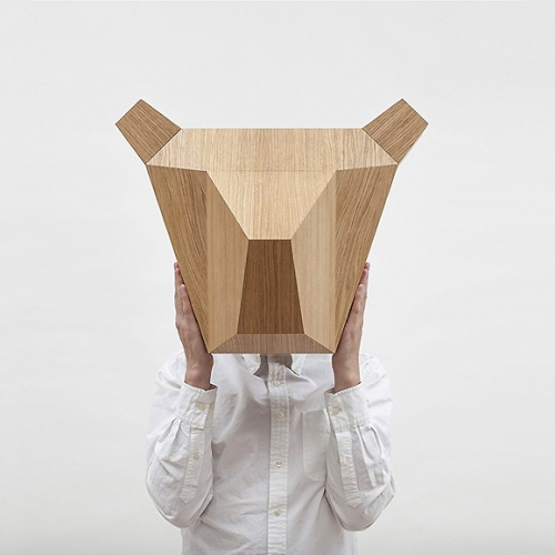 A bear trophy head made of wood by LLLOOCH. The perfect accessory to brighten up your home or a contemporary office space.