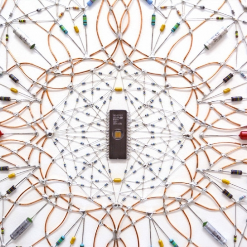 Microchips, transistors, cables. Leonardo Ulian's Electronic Mandala works are visual compositions with an electronic soul.