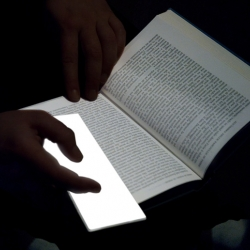 Our new favorite page maker, Lightleafs, is an illuminated OLED bookmark concept designd by designer Valentina Trimani that provides a light source for reading in the dark.