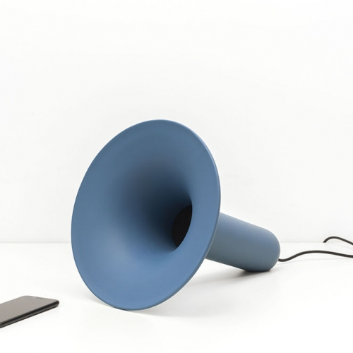 Luciano is an handcrafted ceramic speaker with embedded bluetooth connection designed by Paolo Cappello.