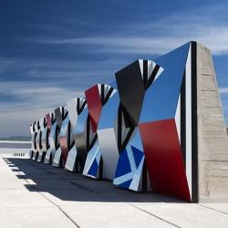 Daniel BUREN and the MaMo presented the installation DEFINI, FINI, INFINI...