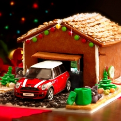 The MINI Gingerbread Garage. A step-by-step guide on how to make a festive home for your model MINI.