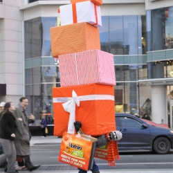 Toronto ad agency TAXI 2 developed a cleverly designed mannequin to demonstrate how Motrin targets the aches and pains of holiday shopping.