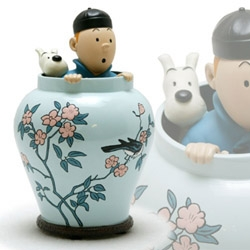 C'est fantastique!  Tintin figurines from the classic early albums.