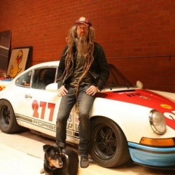 Magnus Walker: a unique Porsche car collector!