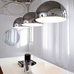 Lighting designers Cattelan Italy Calimero is the greatness of this reflective mirror pendant lights. Calimero light reflective mirror can get a view of the surrounding space.
