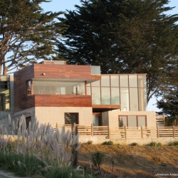 Two level concrete house design, Montara House, was created by Anderson Anderson Architecture. With the view of Pacific Ocean, this house looks beautiful.