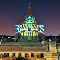 To promote the Juke, Nissan commissioned Marko93 and Thomas Canto to carry out a guerilla projection on every well known monument in Paris. Amazing!