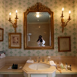 UPDATE! Cleaning through pics, had to add more to the Chateau Les Creyeres post, so click to see the added views of the bathroom and wallpaper...