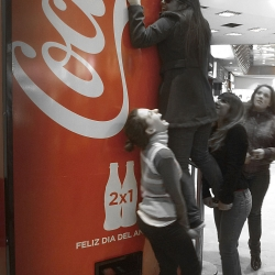 To celebrate the Spanish International Friendship Day, Ogilvy Argentina created a huge Coca-Cola vending machine. Consumers have to be 2 to be able to afford their Coca. Obviously they obtain a free second bottle.