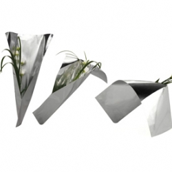 PACKLAB. Partners designed this beautiful flower packaging that transforms into a vase!