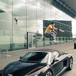 Great video realized by Stephane Benini for Clash Production of artistic discipline of Parkour through the stunning Luxembourg architecture.