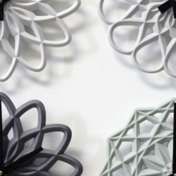 LeeLABS plays with tonal colored concrete, clocks tuned for chic to sleek interiors. These new Para Clocks are handmade in Brooklyn, digitally derived, mini structures based on radial patterns.