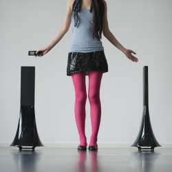 Philippe Starck ZIKMU, is the new ipod/iphone wireless speaker for Parrot .