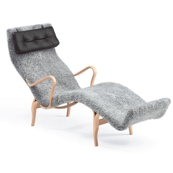 Just spotted this super cozy swedish lounger over at design-milk ~ Bruno Mathsson - liggstol Pernilla 3