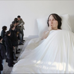 Ron Mueck - insanely creepy/amazing large sculpture works in Washington Post slideshow