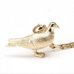"""Another Gabriel Urist """"Custom Bling"""" piece - something about the gold pigeon is rather amusing. Winged Rats in Gold around your neck."""