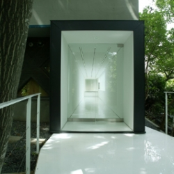 On 8 June 2002, ANNEX Monma Gallery opened in Sapporo. Designed by Shinichiro Akasaka from Akasaka Shinichiro Atelier the art gallery is open between May to October.