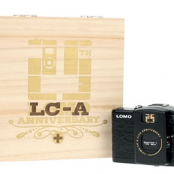 The first ever LOMO LC-A+ special 25th Anniversary Edition, boasts a textured skin and the 25th Anniversary badge on its body packed in a commemorative wooden box, proudly stamped with the 25th Anniversary logo.