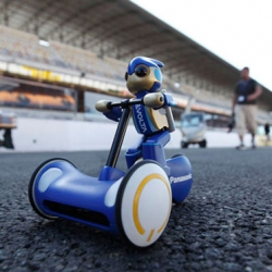 Panasonic's Evoia Robot!  	 panasonic evoia robot to demonstrate their long lasting evolta batteries, panasonic drove the small evoia robot for 24 hours at the lemans racetrack. the small robot rode a tricycle powered by two small AA evolta batteries.