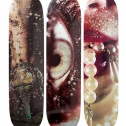 Photographer Marilyn Minter now worked with Supreme New York on a series of art decks. The outcome is stunning!