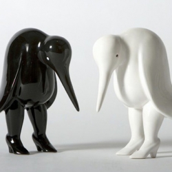 "Dutch artist Parra is back wtih the ""The Not So Happy Bird"" Figure. Really cool!"