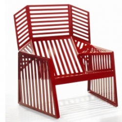 Loving the new Schultz Wing outdoor furniture collection. Different from any other outdoor furniture I have ever come across!
