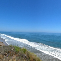 A great virtual tour of Santa Barbara's beaches, history, and natural beauty.  Beautifully designed.