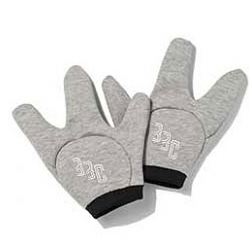 This is hilarious - Billionaire Boys Club, the brand by Pharrell Williams, has released today these Star Trek gloves!