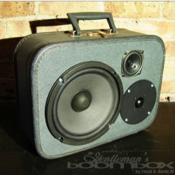 The Gentleman's Suitcase is a selection of vintage suitcases hand-rehabbed into gorgeous one of a kind boomboxes. Created by Chicago artist, Floyd Davis of Artpentry & Code of Conduct.