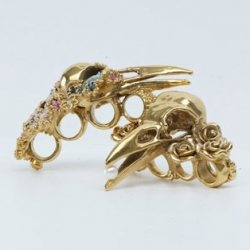 This knuckle duster is part of Gisele Ganne's Divorce collection! Just stunning!!