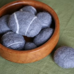 Design*Sponge shows us how to make our own felted rocks!