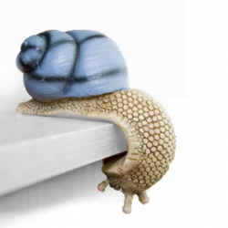 Adorable Shelf Snails! Also in brown and red...