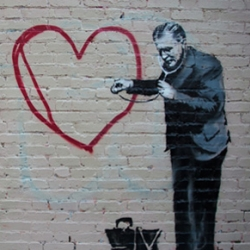 Banksy is making his rounds in the US along with the premiere of his movie. After LA, first artworks by the iconic UK artist have now been spotted in San Franciso.