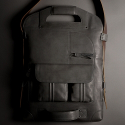 It's finally back! Hardgraft just released their 2nd edition of 2UNFOLD Leather Laptop Bag and it is BEAUTIFUL!