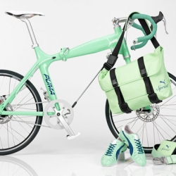 Puma released in their two Black Stores (NYC and Tokyo) a new range of urban bikes. Each bike has matching sneakers, clothing and accessories such as bags. Love it!