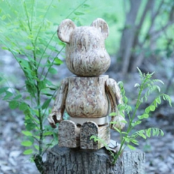 "The Eco Value Wood Bearbrick by Medicom Toy has been announced. Its a collaboration with ""more Trees"", a Japanese charity organization. Besides the fact that the proceeds go to charity, its also a beautiful toy!"