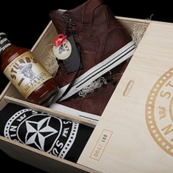 For SXSW, Supra teamed up with Spin Magazine and Stubb's Bar B-B-Q on a Skytop sneaker. The color was inspired by their famous bbq sauce. The packaging is also beautiful, in a numbered wooden box. T-Shirt is also in the pack.