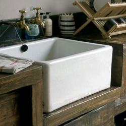 Beautifully rustic Butler's Sink