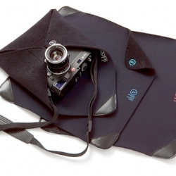 I love the idea of the Tech Wrap. It lets you wrap pretty much any technical device and protect it. Genius!
