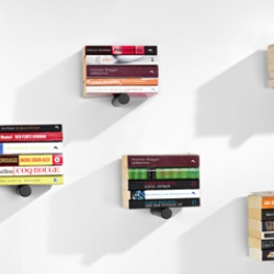 PINIWINI is a smart way to store books, magazines or DVD:s designed by Linus Svärm. So small you can place it almost everywhere.