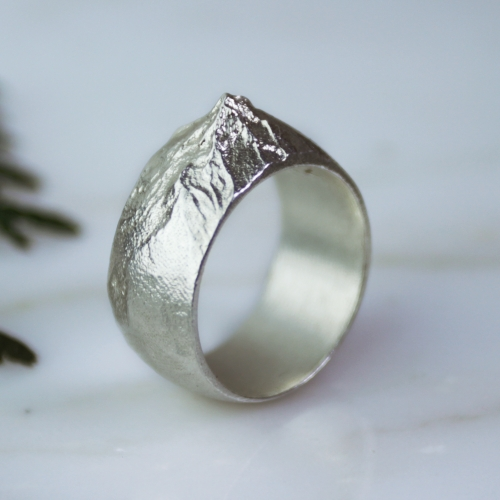Waaypoint debuts with 3D printed and cast jewelry of Mt. Hood from NASA data - 2 rings and a pendant.