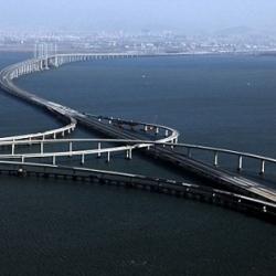 The world's longest cross sea bridge, Qingdao Haiwan Bridge measures 26.4 miles (42.6 km) and links Qingdao city in China's eastern Shandong province with the Huangdao district.