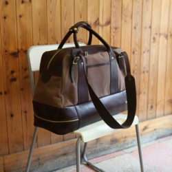 Stellar new collection of bags from R6. A collaboration between Six Eight Seven Six and Regent Belt Company all hand-worked and hand-stitched in the UK for a classic British look.