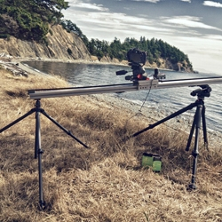 Radium, built by Isaac Blankensmith, is a portable time-lapse dolly that collapses to fit into a backpack.