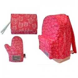 how sweet would an andre oven mitt be?  hehe.  with medicom life entertainment and avail at colette.