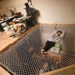In San Francisco you can rent this net-bed for a nap. Privacy not included