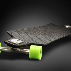 New carbon fiber downhill longboard (SocBoarding Carbon #1) by Louis Bradier.