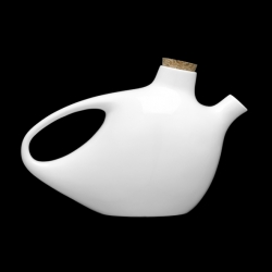 The sweetheart porcelain tea pot by Christian Ghion synthesizes his organic world with its voluptuous curves. With the capacity to hold up to 750 ml, the sweetheart is sure to help make your cup of tea more cozy.