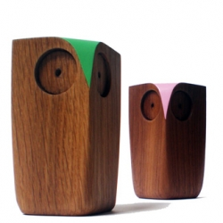 Beautiful simple minimalist wooden owls by Matt Pugh ~ and stunning with so may options for that splash of color...